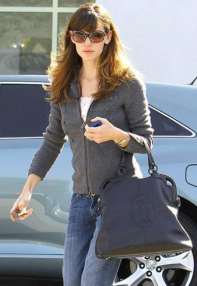 jennifer-garner-cartier-purse