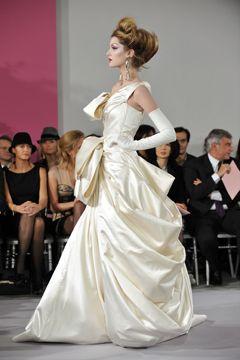 picsrv.fashionweekdaily.com