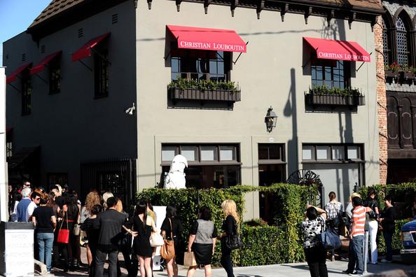 Christian+Louboutin+Hollywood+Boutique+Grand+_FdvOu0MizGl[1]