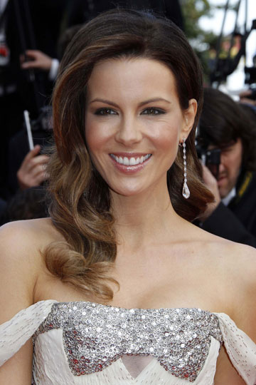 RTEmagicC_10_0514_Chopard_Kate_Beckinsale_01.jpg[1]