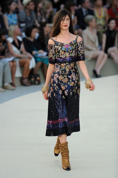 Chanel+Runway+PFW+Haute+Couture+F+W+2011+xJjL8fZvXBxl