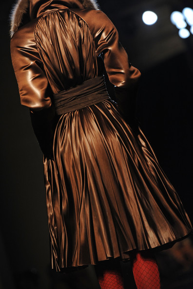 Jean+Paul+Gaultier+Runway+PFW+Haute+Couture+aw--wnlVHpql