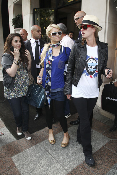 Paris+Nicky+Hilton+emerge+their+Parision+hotel+NDX-5wQoxxbl