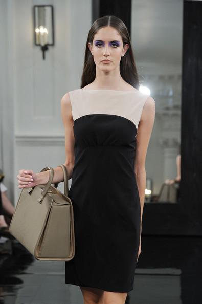 Victoria+Beckham+Dresses+Presentation+Spring+7lVYQH3u7N4l