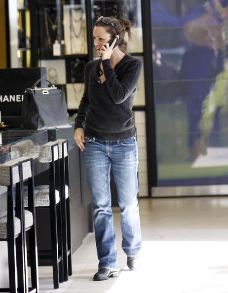 Jennifer+Garner+Shopping+Chanel+Beverly+Hills+fPT5KLtl-VAl