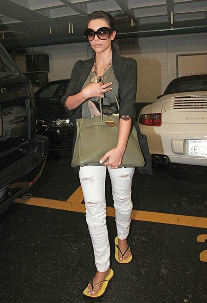 Kim+Kardashian+Leaving+Nail+Salon+W7MG9K2j04tl