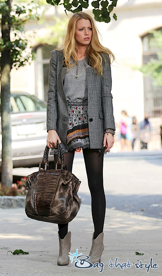 blake-lively-embraces-fall-textures-as-serena-van-der-woodsen-003