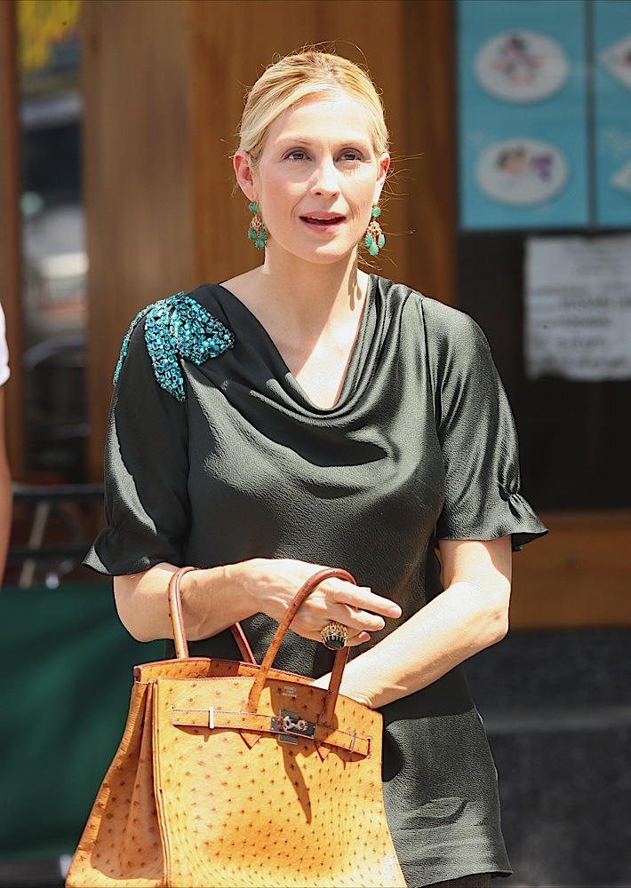 kelly-rutherford-carries-hermes-002