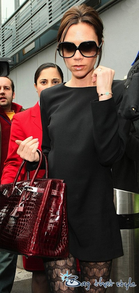 victoria-beckham-and-her-red-hot-croc-birkin-003