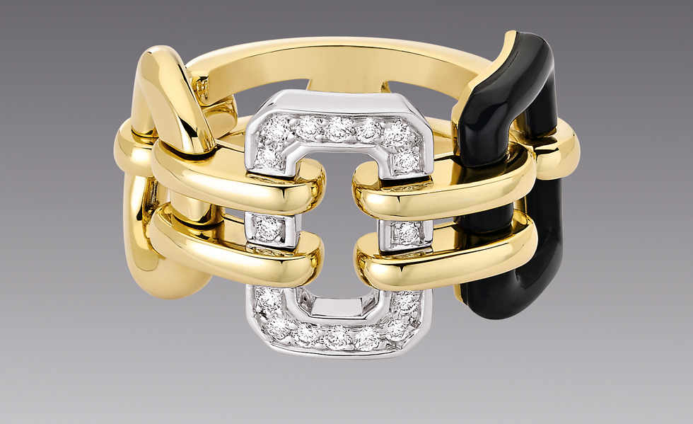 CHANEL-The-Premiere-ring-in-18kt-yellow-gold-and-onyx.-£4075