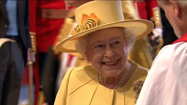 The Queen, yellow look.