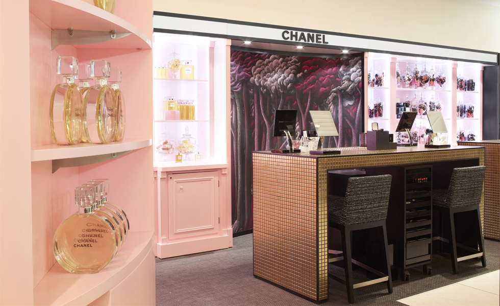 03-CHANEL-HARRODS-Beauty-Ephemeral-boutique