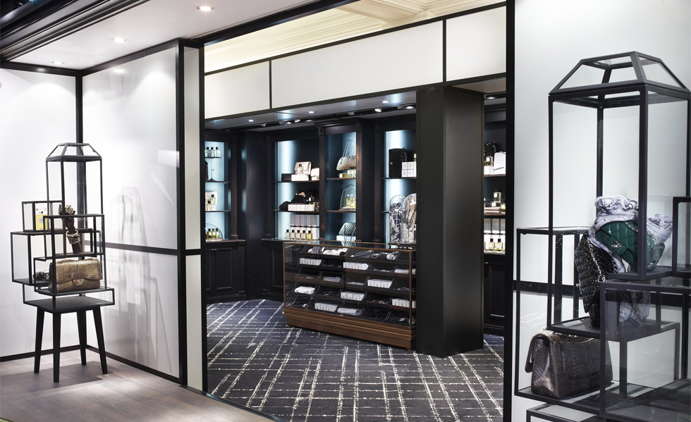 13-CHANEL-HARRODS-Fashion-Ephemeral-boutique