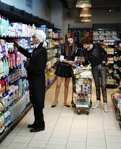 Karl Lagerferd at supermarket