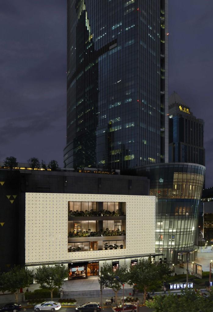 Maison LV Shanghai Plaza 66- 1