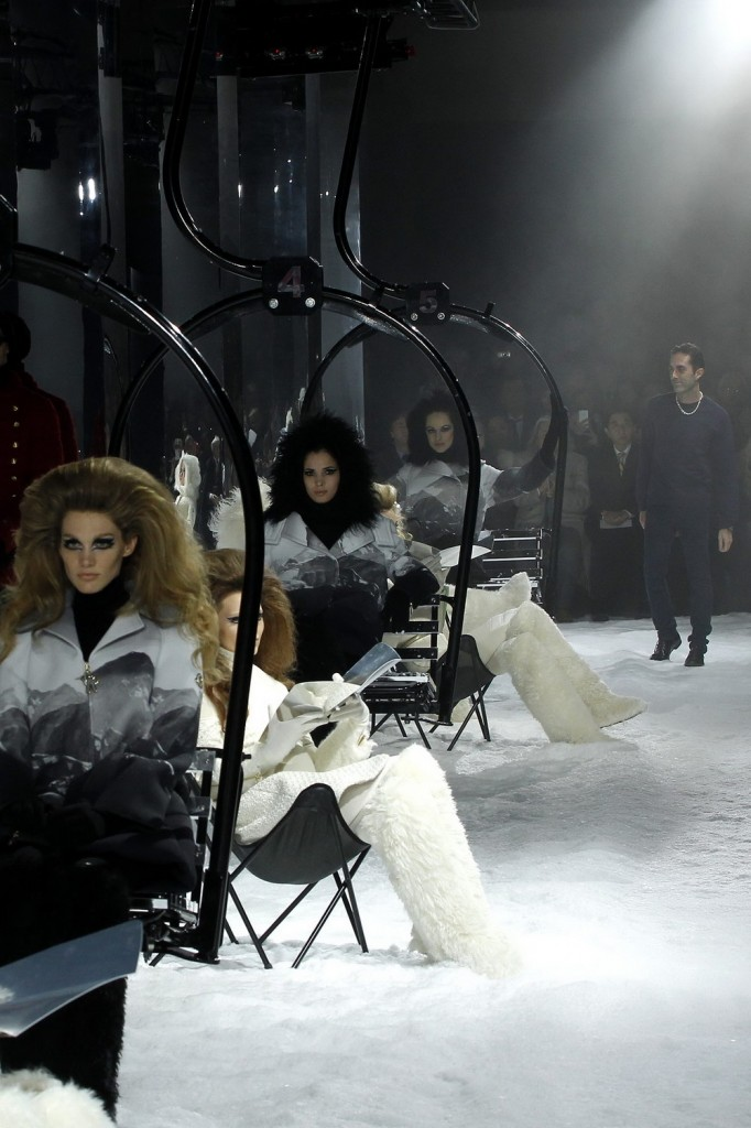 Moncler-Gamme-Rouge-Fall-Winter-2012.13-Womenswear-Collection-41