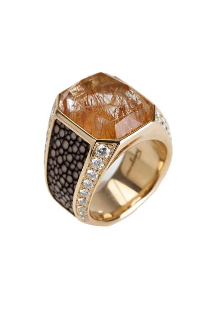 elle-11-ferragamo-diamond-quartz-galuchat-18kt-ring-xln-lgn