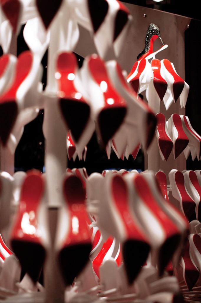 Christian-Louboutins-Christmas-tree-display