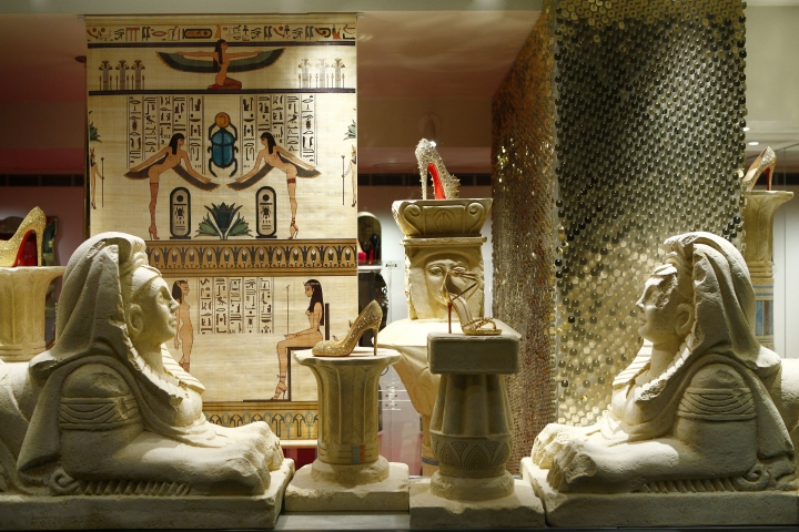 christian-louboutin-windows-egyptian-theme
