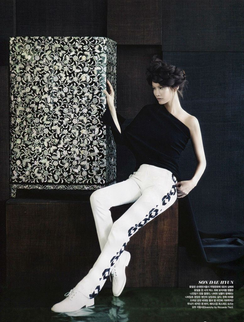 vogue-korea-august-2013-fashion-into-crafts-