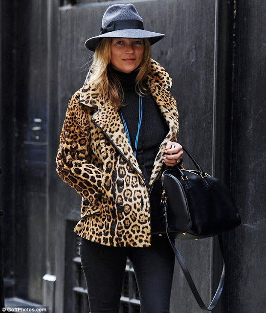 Kate Moss with Classic Duffle Saint Laurent bag