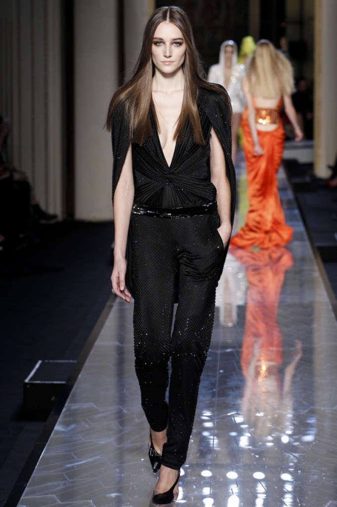 atelier-versace-fall-2014-couture-19_18080980275