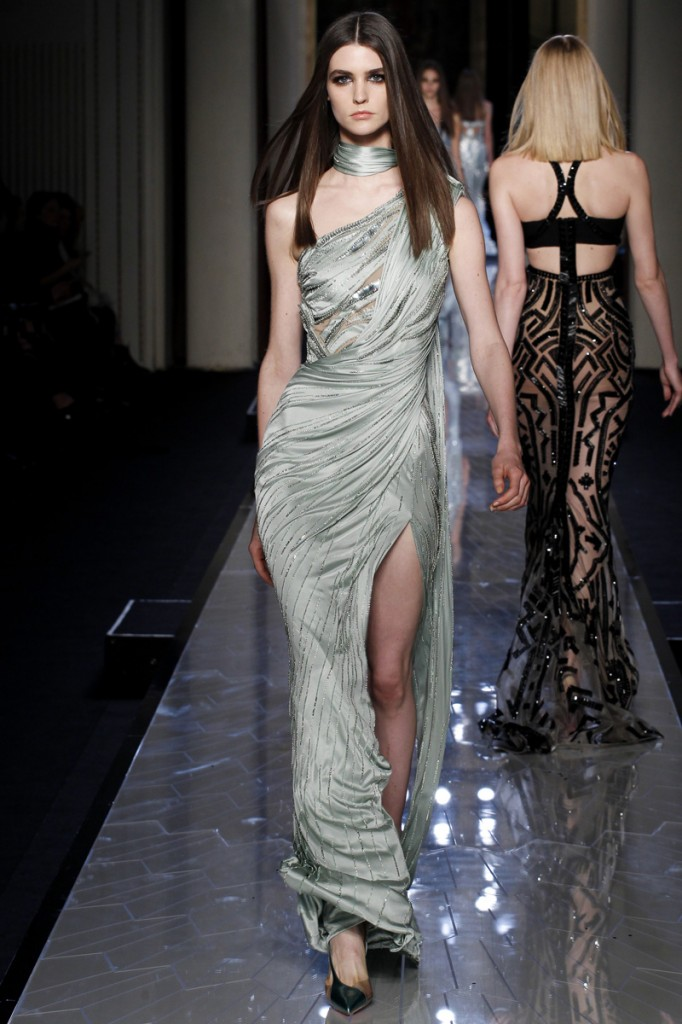 atelier-versace-fall-2014-couture-28_180816953503