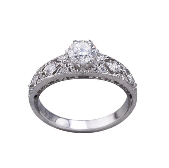 romanza__les_toutes_premi__res_bagues_de_fian__ailles_sign__es_buccellati_personnalisable_diamants_solitaires_639696088_north_545x.1