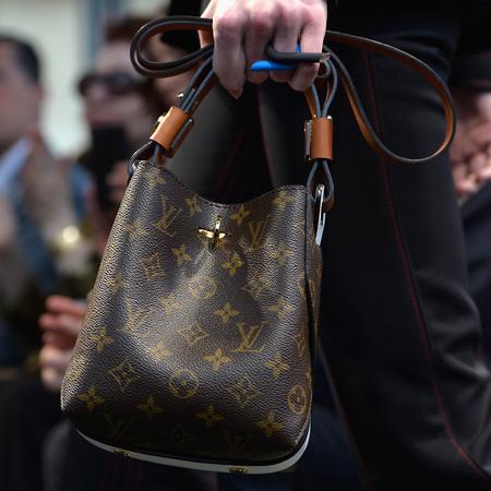 louis-vuitton-cruise-2014-collection-runway-show-handbags-monogram-bucket-bag