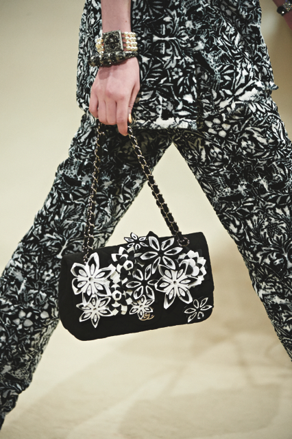 Chanel-Cruise-2015-Accessories-1-Bags-03