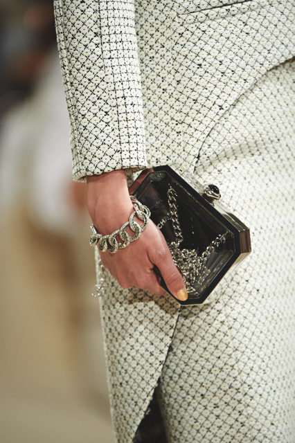 Chanel-Cruise-2015-Accessories-1-Bags-04