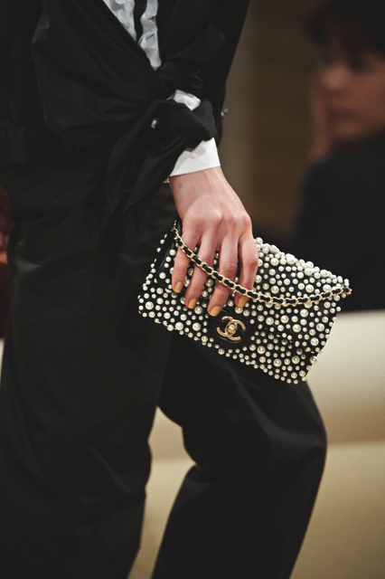 Chanel-Cruise-2015-Accessories-1-Bags-08