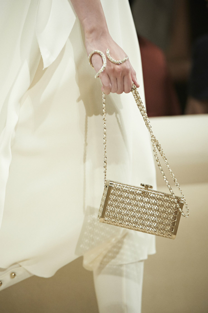Chanel-Cruise-2015-Accessories-1-Bags-19