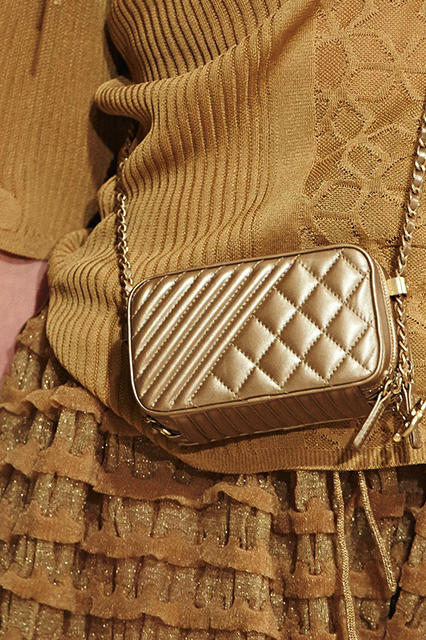 Chanel-Cruise-2015-Accessories-1-Bags-21