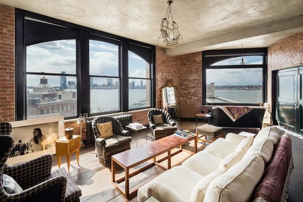 Kirsten-Dunst-Manhattan-Penthouse-533-CANAL-STREET-SOHO-New-York-02