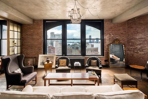 Kirsten-Dunst-Manhattan-Penthouse-533-CANAL-STREET-SOHO-New-York-03-1