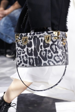 Louis-Vuitton-BlackWhite-Leopard-Print-Trunk-Bag-Fall-2016-300x450